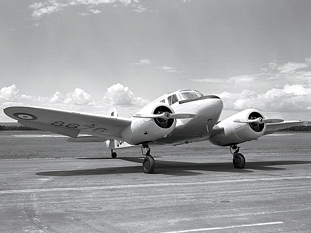 Un Cessna Crane Mk 1. PHOTO : Archives du MDN, PL-120936