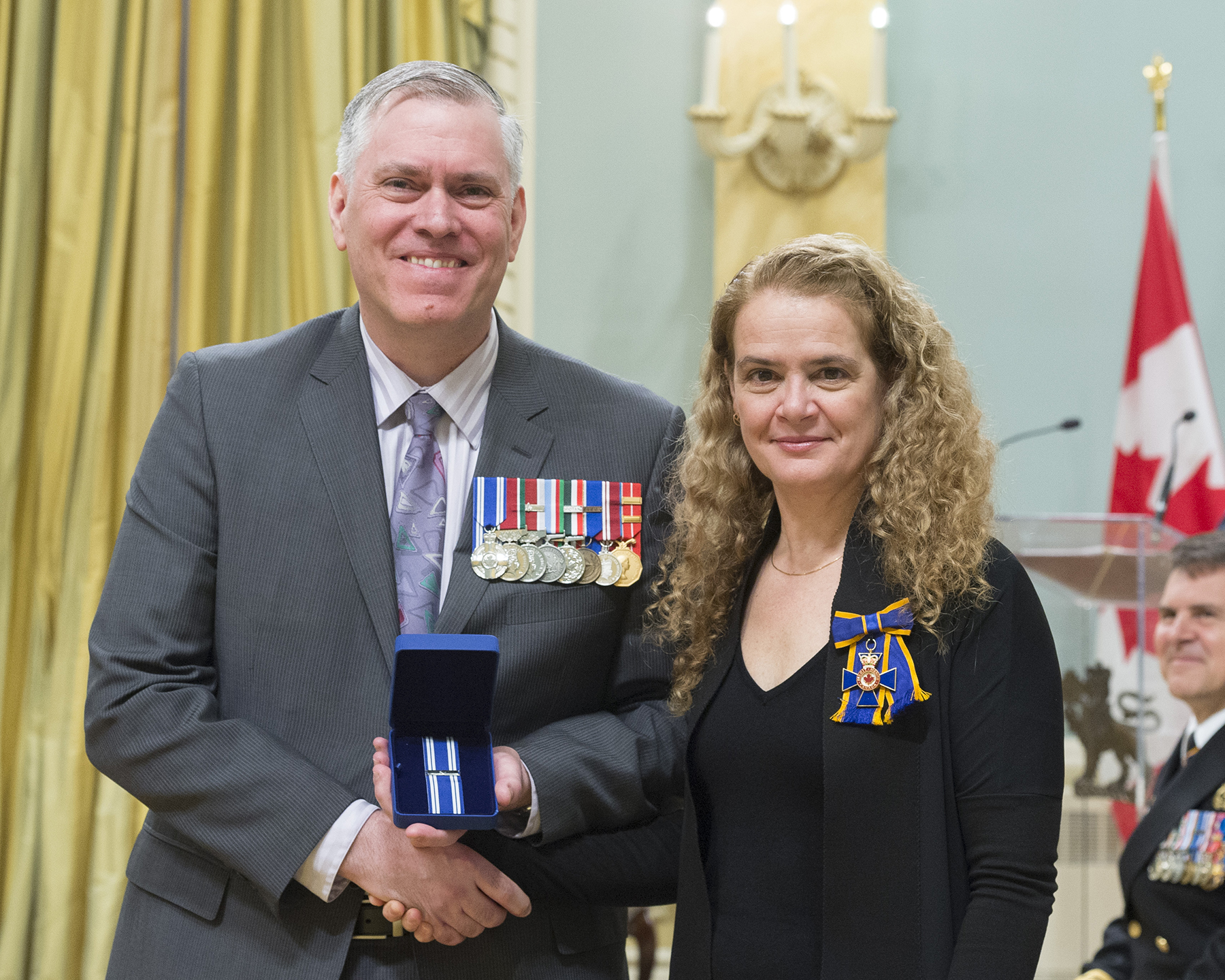 Colonel James Andrew Irvine receives the Meritorious Service Medal (Military Division) from Governor General and Commander-in-Chief of Canada Julie Payette on February 28, 2018. PHOTO: Sergeant Johanie Maheu, OSGG, GG05-2018-0066-017