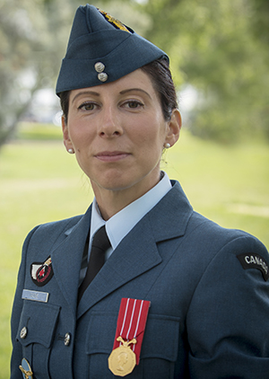 Photo de la major Véronique Gagné